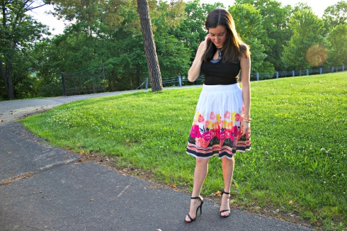 How to Wear a Knee Length Floral Skirt