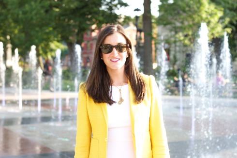 Yellow Blazer White Dress Ray Ban Wayfarers