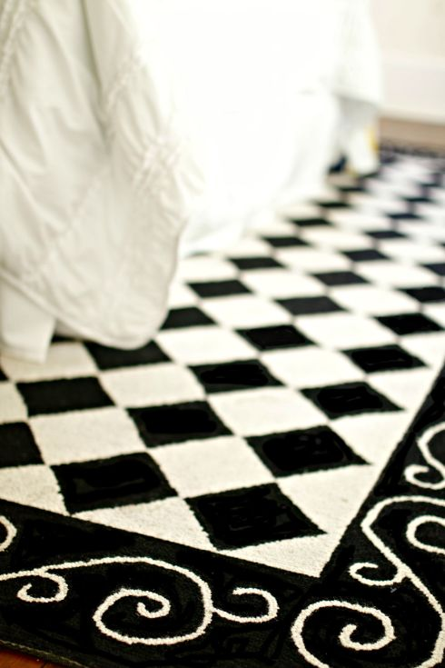 Black and White Argyle Rug