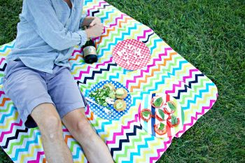 Colorful Picnic Blanket Ideas