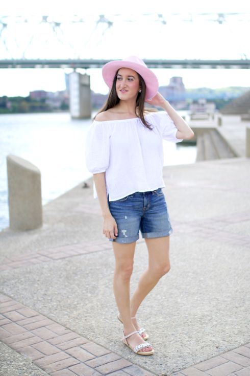 Pink Hat Casual Summer Outfit