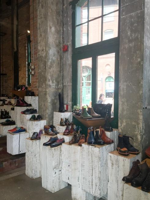 Shopping Distillery District Toronto